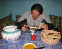Taghia - Richard Nyéki večeria yelow soup